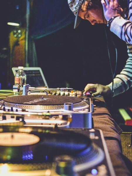 DJ 101 Learn How to DJ