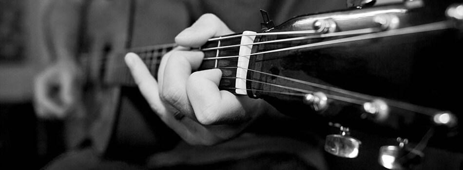 Martin Guitar Under 2000 Dollars